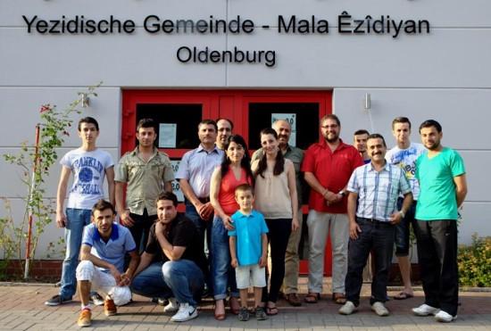 Yezidisches Forum: Abschieds-Gruppenfoto