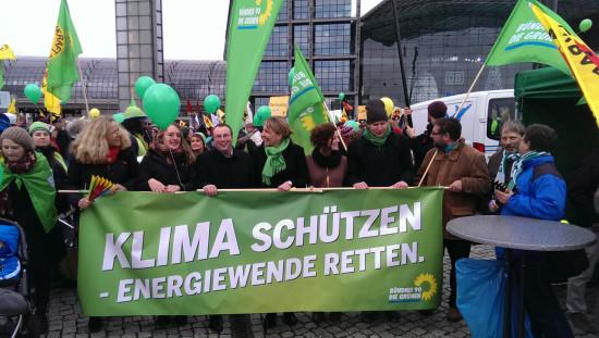 Auf der EnergiewendeDeomo in Berlin mit Simone Peter u.a.