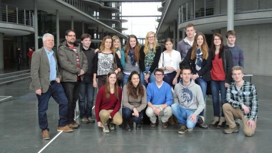SchülerInnen des Alten Gymnasiusm Oldenburg (ganz links: Jörg Witte, ihr Lehrer)