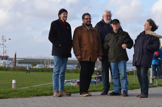 14-04-13 In Norddeich-Mole vor der Skyline Norderneys