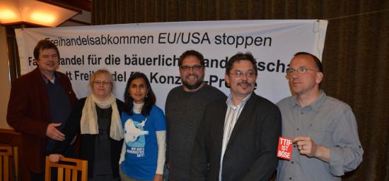 V.l.n.r.: Jens Rowold (BürgerBus e.V.), Karin Mansholt (BDM), Shefali Sharma (IATP), ich, Otmar Ilchmann (AbL), Peter Fuchs (Power Shift)