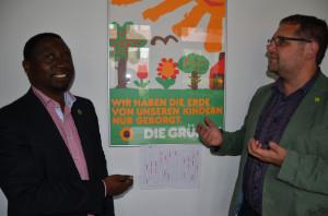 Frank und ich vor historischen GRÜNEN-Plakat
