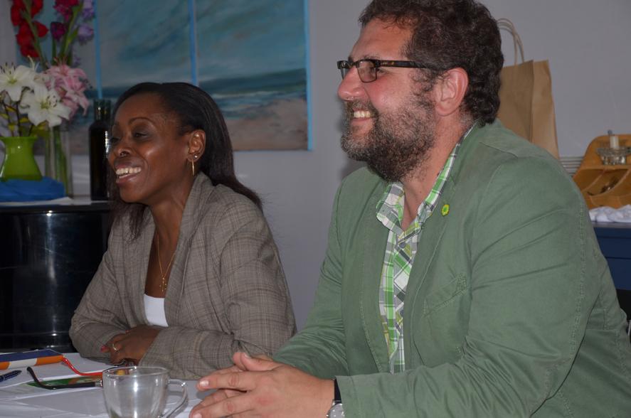 I.E. die rwandische Botschafterin Christine Nkulikiyinka und ich