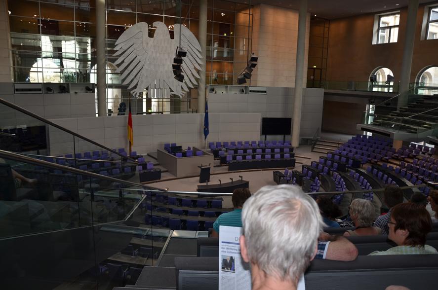 Auf der Besuchertrebüne des Plenarsaal