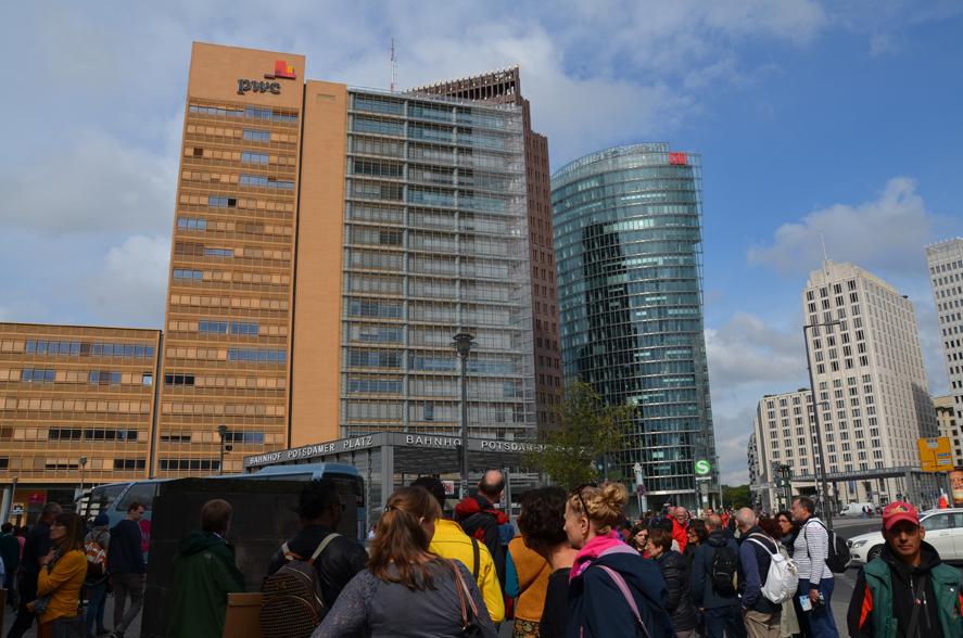 Über den Potsdammer Platz gehen