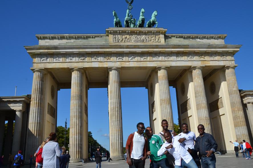 Natürlich muss man sich vor dem Brandenburger Tor fotografieren lassen...