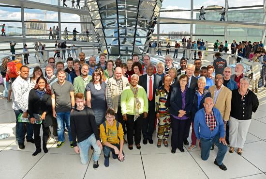 Gruppenfoto mit Abgeordnetem