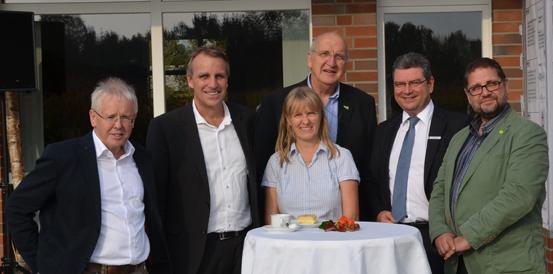 V.l.n.r: Friedrich Haubold, Umweltminister Stefan Wenzel, Susanne Miks, Gert Langhorst, Landrat Jörg Bensberg und ich