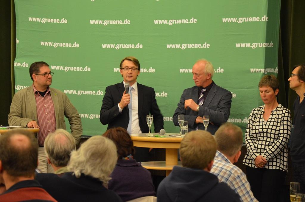 Die Diskussionsrunde: v.r.n.l. Moderator Barthel Pester, Regina Asendorf (MdL), Hartmut Seetzen, Karsten Specht, ich (MdB)
