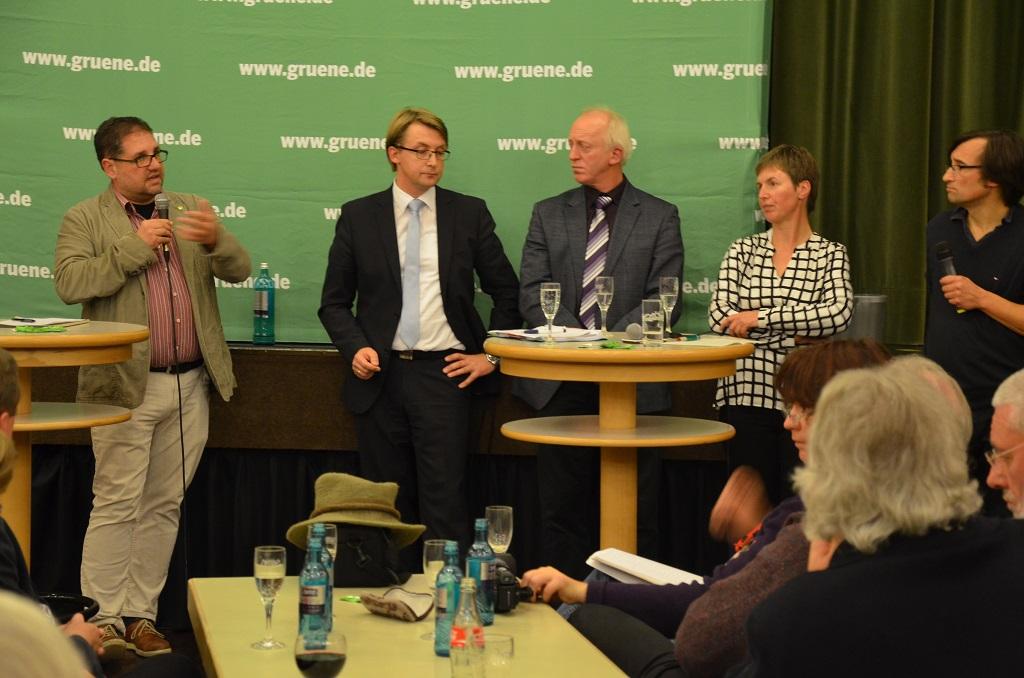 v.r.n.l. Moderator Barthel Pester, Regina Asendorf (MdL), Hartmut Seetzen, Karsten Specht, ich (MdB)