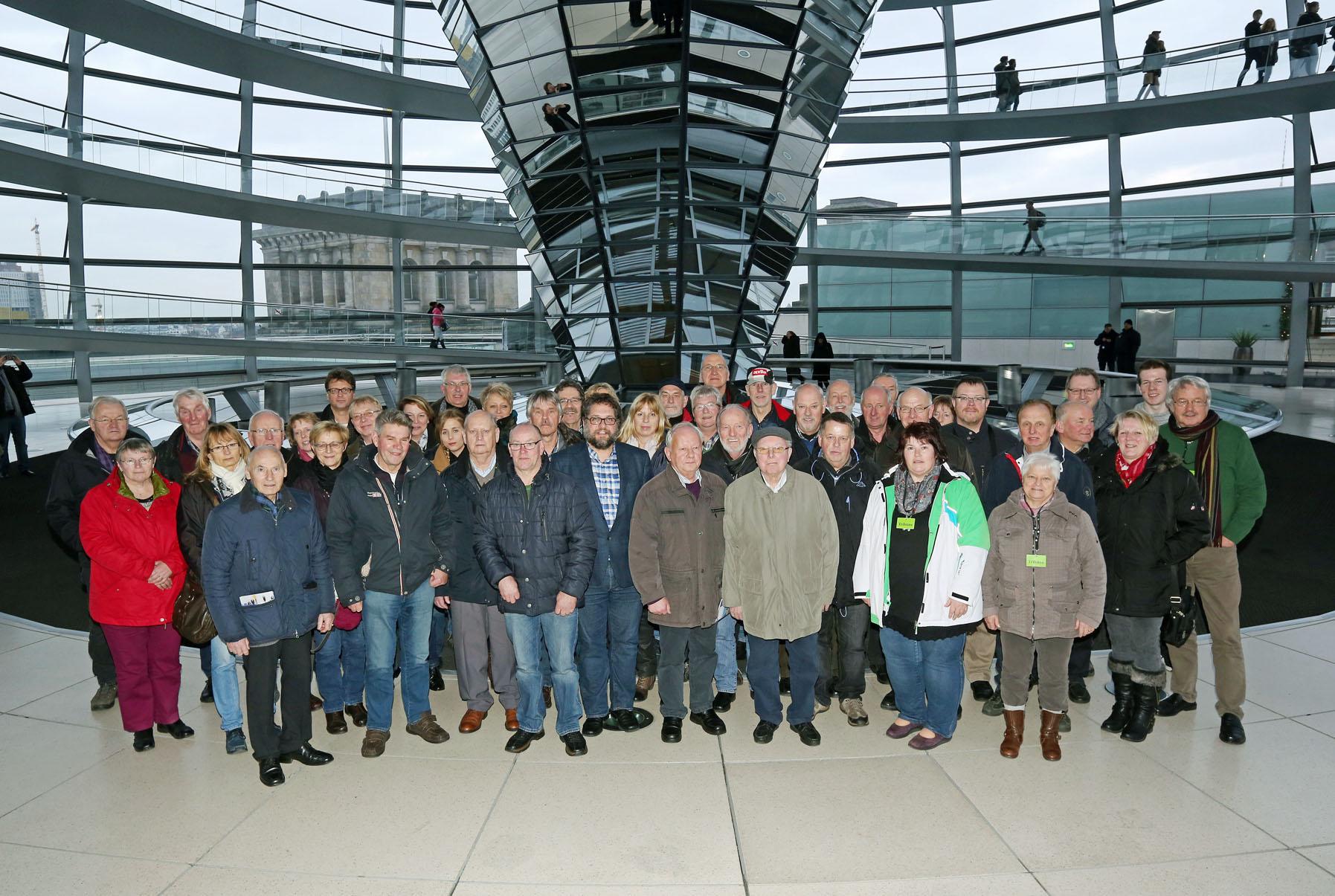 46 Bürgerinnen und Bürger - vor allem aus Westerstede und umzu - und ich.