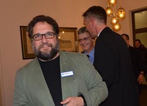 Auf dem Abend der Begenung, im hintergrund Bischof Jan Janssen