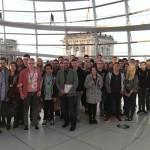 Peter Meiwald mit Schülern aus Meppen