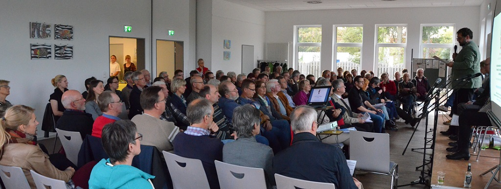 Im Publikum: über 100 interessierte Bürgerinnen und Bürger