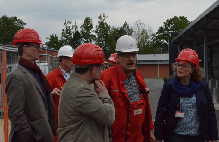 Besichtigung der Verpresstelle in Söhlingen, v.l.n.r.: Volker Bajus (MdL), Hr. Kaliner (ExxonMobile), ich, Hr. Kröger (ExxonMobile), Dr. Julia Verlinden (MdB)