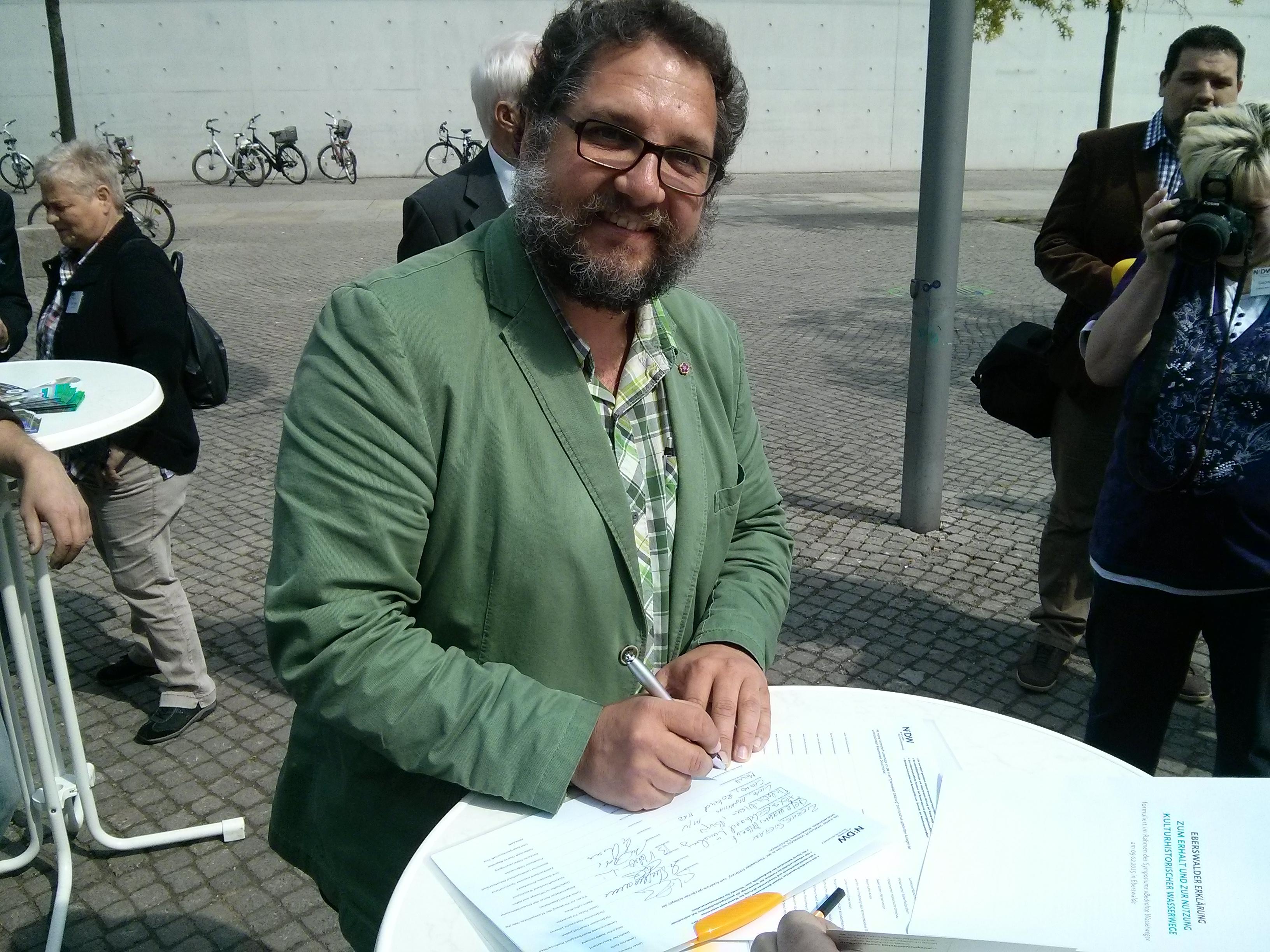 Bei der Unterschrift