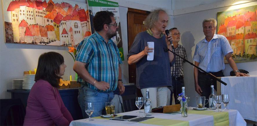 Mit dem Mikrofon, Guido Grüner von der Arbeitsloseninitiative ALSO