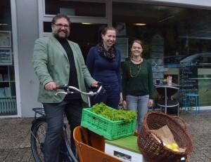 Nathalie Wenke, Barbara Satola und der MdB auf dem Rad