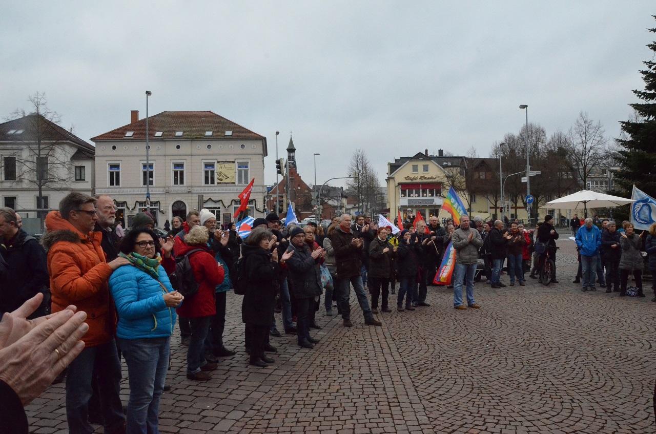 Friedenskundgebung auf dem Julius-Mosen-Platz in Oldenburg, 19.12.2015