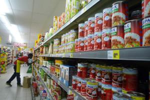 In vielen Alltagsprodukten stecken hormonell wirksame Chemikalien - z.B. in der Innenbeschichtung von Konservendosen (Foto © Wilbert de Groot, Creative Commons, flickr.com)