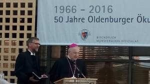 V.l.n.r.: Landesbischof Jan Janssen und Weihbischof Heinrich Timmerevers