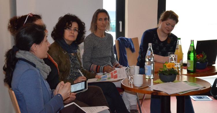 V.l.n.r: Filiz Polat (MdL), Engeline Kramer (Stadtrat Leer), Nds. Wissenschaftsministerin Gabriele Heinen-Kljajic, Bettina Pinzon-Assis und Christina-Johanne Schröder (Sprechinnen der BeZiKo)