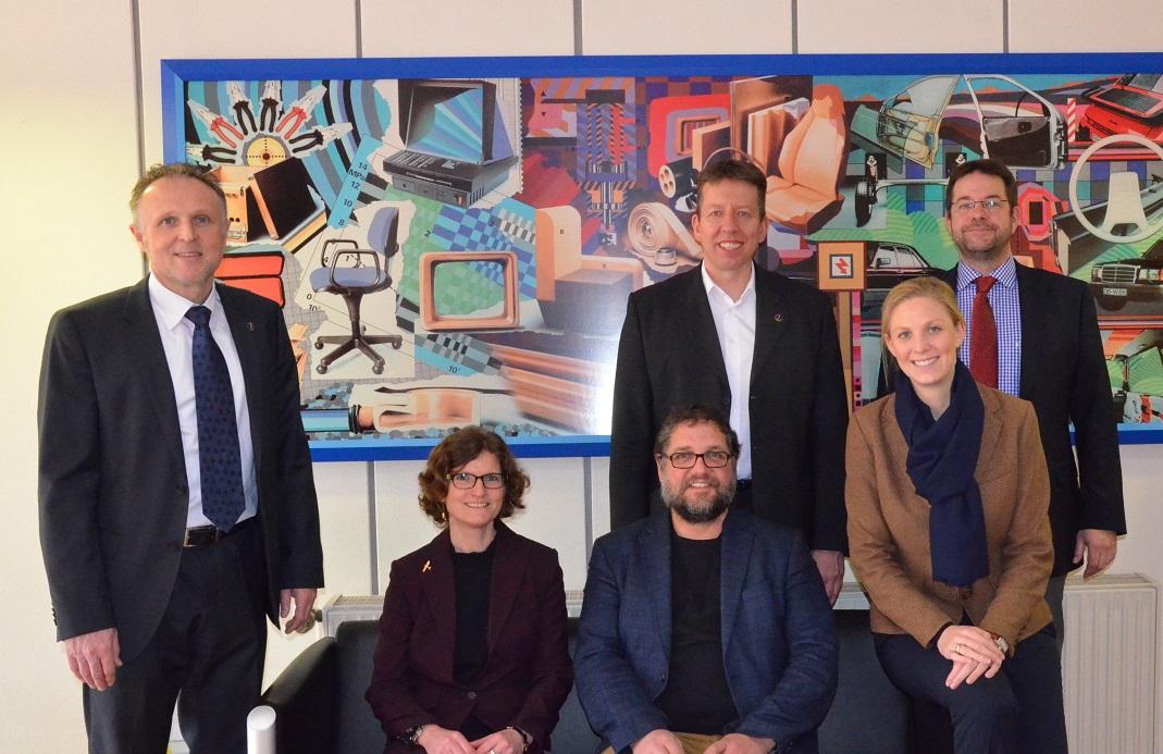V.l.n.r.: Herbert Radunz, Heike Langner-Witkowski (sitzend), ich (MdB, sitzend), Dr. Frank Holtrup, Tanja Herr, Stephan Kretschmann