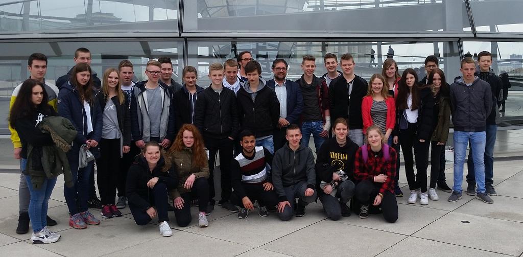 Schülerinnen und Schüler der KGS Rastede bei mir im Bundestag