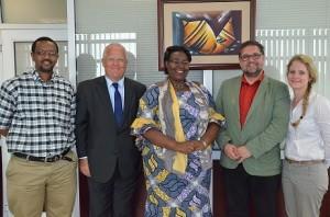 Mit der Ministerin für Flüchtlingsangelegenheiten, Seraphine Mukantabana