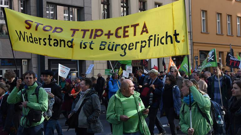 Der Widerstand gegen die Freihandelsabkommen TTIP und CETA hält nicht nur an - er wird stärker!  © Grüne Bundestagsfraktion