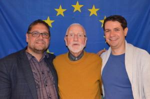 Sebastian Beer (rechts) und ich nahmen den Europaexperte Adje Schröder in unsere Mitte.