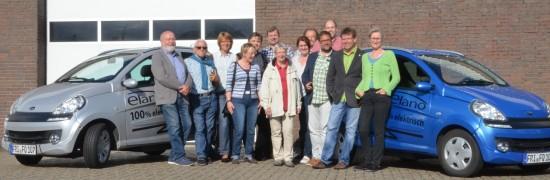 Die GRÜNE Reisegruppe in Varel bei dem urenkeltauglichen Hersteller von E-Fahrzeugen, elano: Schadstofffrei und geräuschlos.