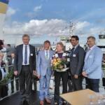 Taufpatin Almuth Kottwitz wünschte der WINDEA FOUR immer eine handbreit Wasser unter dem Kiel.