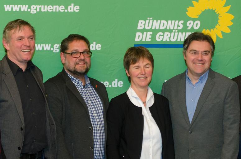 V.l.n.r.: Hanso Janßen (MdL), ich (MdB), Regine Asendorf (MdL), Dragos Pancescu (KT Wesermarsch) Foto: Ingbert Grimpe