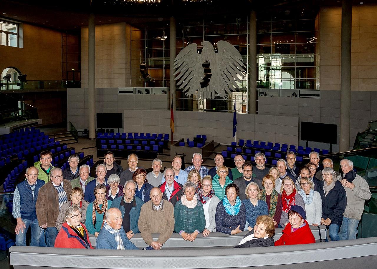 Berlin-Fahrt zum Thema Stadtentwicklung mit Peter Meiwald, MdB, im Plenarsaal des Bundestages