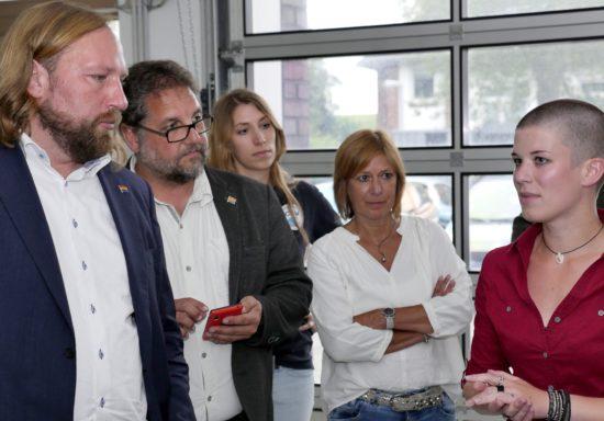 Rosanna Schöneich-Argent (re) erklärte uns das aktuelle Forschungsprojekt. Foto: ICBM.